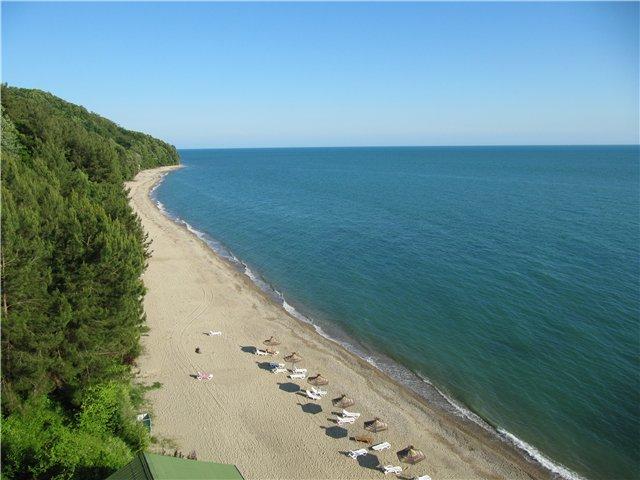 Лучшие и песчаные пляжи Абхазии, пляжный отдых в Гаграх, Пицунда, Сухуми 86